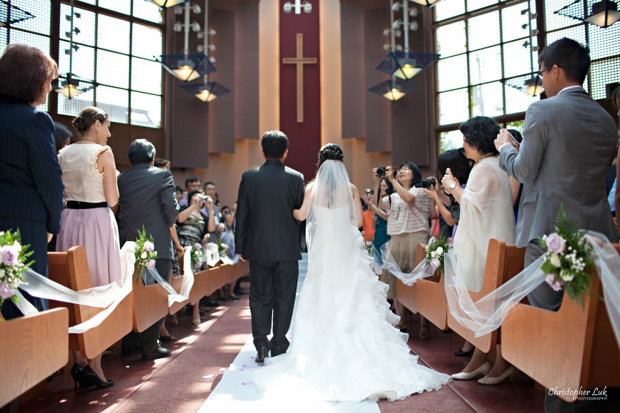 Christopher Luk 2011 - Jenny and James' Wedding - Trinity Presbyterian Church York Mills, Evergreen Brick Works, Renaissance by the Creek Toronto Mississauga - Father and Bride Walking Down the Aisle People Processional