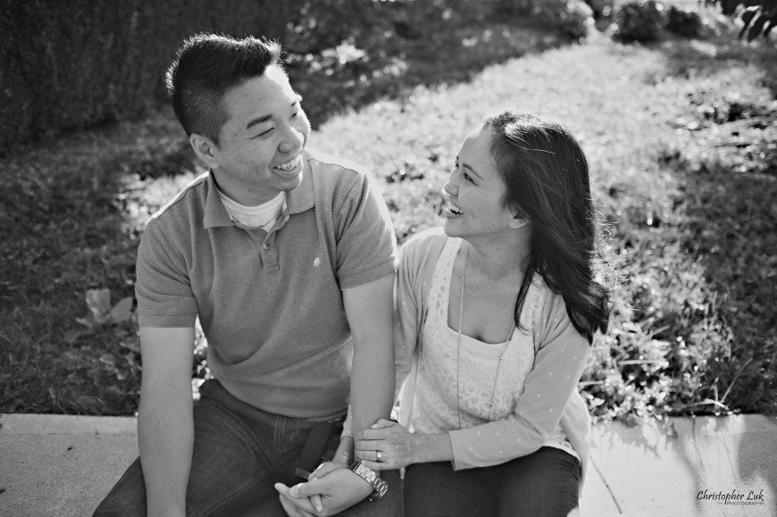 Christopher Luk 2012 - Engagement Session - Emily and Ken - Markham Toronto Portrait Wedding Lifestyle Lifetime Photographer - Talking to Each Other Laugh Smile