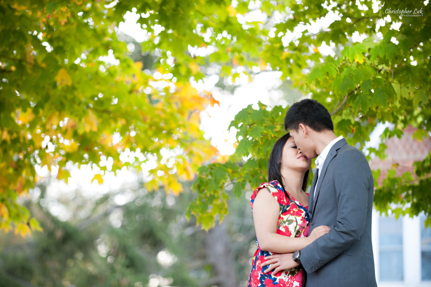 Christopher Luk 2013 - Sarah and Alex Engagement Session - York Region Markham Richmond Hill Toronto Stouffville Main Street Wedding Lifestyle Event Photographer - Bride and Groom Kiss Autumn Fall Maple Leaves