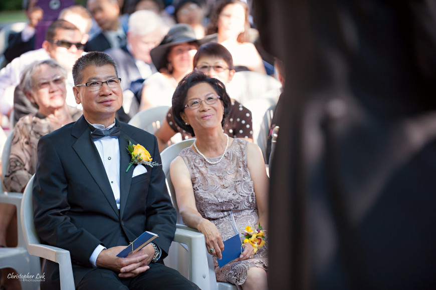 Christopher Luk 2013 - Victoria and Wallace's Wedding - Outdoor Summer Garden Wedding - Sala Caboto at The Columbus Event Centre - Bride Family Parents Ceremony Photojournalistic Candid Smiling