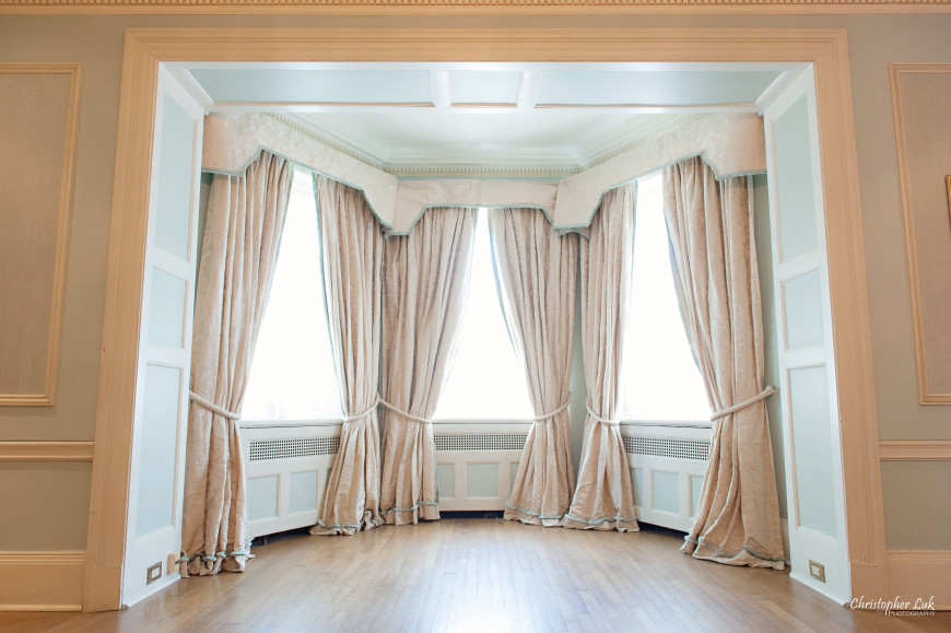 Christopher Luk - Toronto Wedding Portrait Event Photographer - Graydon Hall Manor - Upper Room Curtains Bay Windows Crown Moulding Radiator Covers