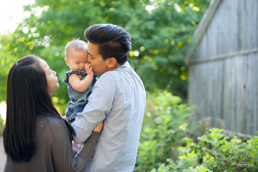 Christopher Luk 2014 - The W Family Baby Girl Lifestyle Session - Toronto Wedding Event Photographer - Mom Dad Baby Girl Sunrise Sunset Relaxed Candid Natural Photojournalistic Kiss Cute Reaction