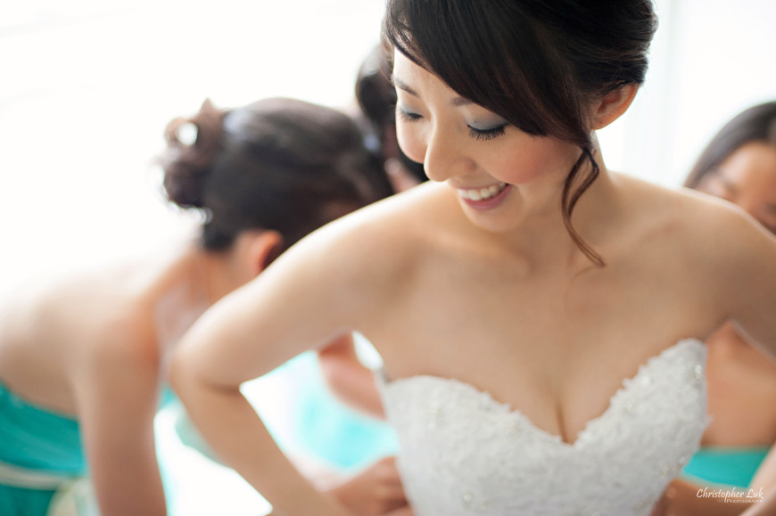 Christopher Luk 2014 - Heidi and Ming-Yun's Wedding - Courtyard Marriott Markham Thornhill Presbyterian Church Chinese Cuisine - Bride and Bridesmaids Getting Ready Candid Photojournalistic Natural White Dress Gown