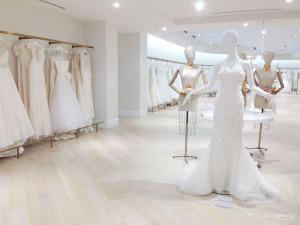 Kleinfeld Bridal Boutique Canada Hudson's Bay Christopher Luk Photography 2014 Wedding Dress Mannequin Oscar de La Renta Display Say Yes To The Dress Downtown Toronto