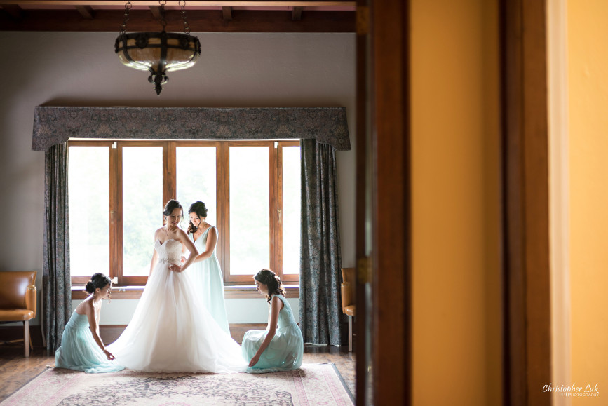 Christopher Luk 2015 - Karen and Scott's Wedding - Miller Lash House University Toronto Scarborough UTSC Outdoor Summer Ceremony Reception - Bride Photojournalistic Candid Natural Relaxed Maid of Honour Bridesmaid Fairy Baby Blue Dress Getting Ready Essense of Australia