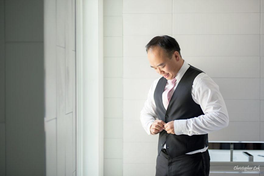 Christopher Luk (Toronto Wedding Photographer): Hilton Markham Hotel, North York Chinese Baptist Church, Evergreen Brickworks, Atlantis Pavilions - Natural Candid Photojournalistic Groom Getting Ready Vest Waistcoat