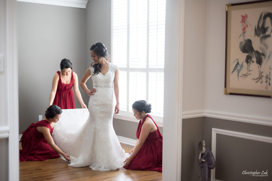 Christopher Luk Toronto Wedding Portrait Lifestyle Event Photographer - Eagles Nest Golf Club Outdoor Ceremony Toronto Raptors Blue Jays Sports Fans Natural Candid Photojournalistic Bride Bridesmaids Red White Bridal Dress Gown Getting Ready