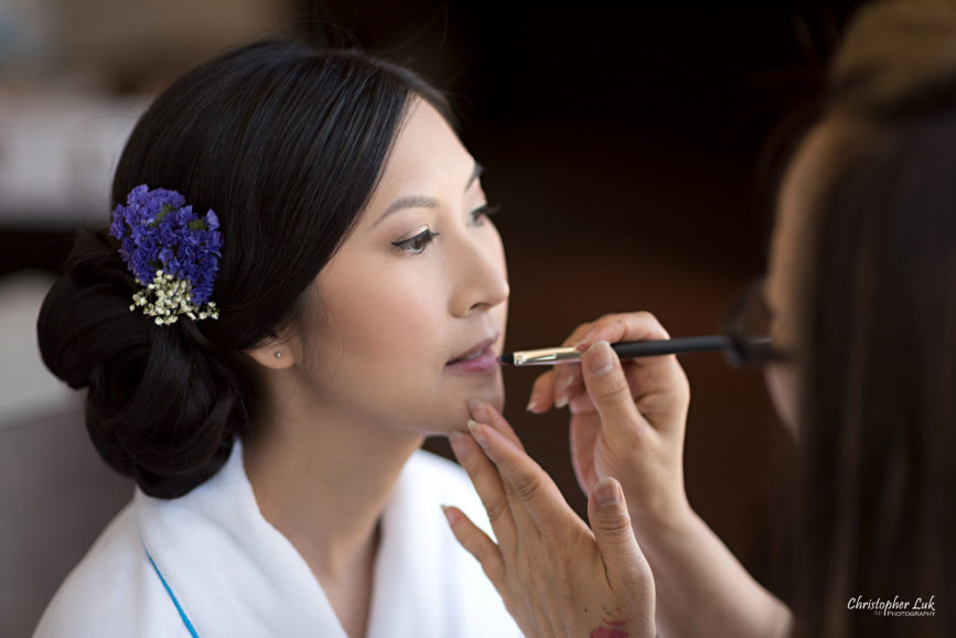 Christopher Luk - Toronto Wedding Lifestyle Event Photographer - Photojournalistic Natural Candid Hilton Suites Markham Bride Getting Ready Bridal Prep Karen Chen Richardson Makeup