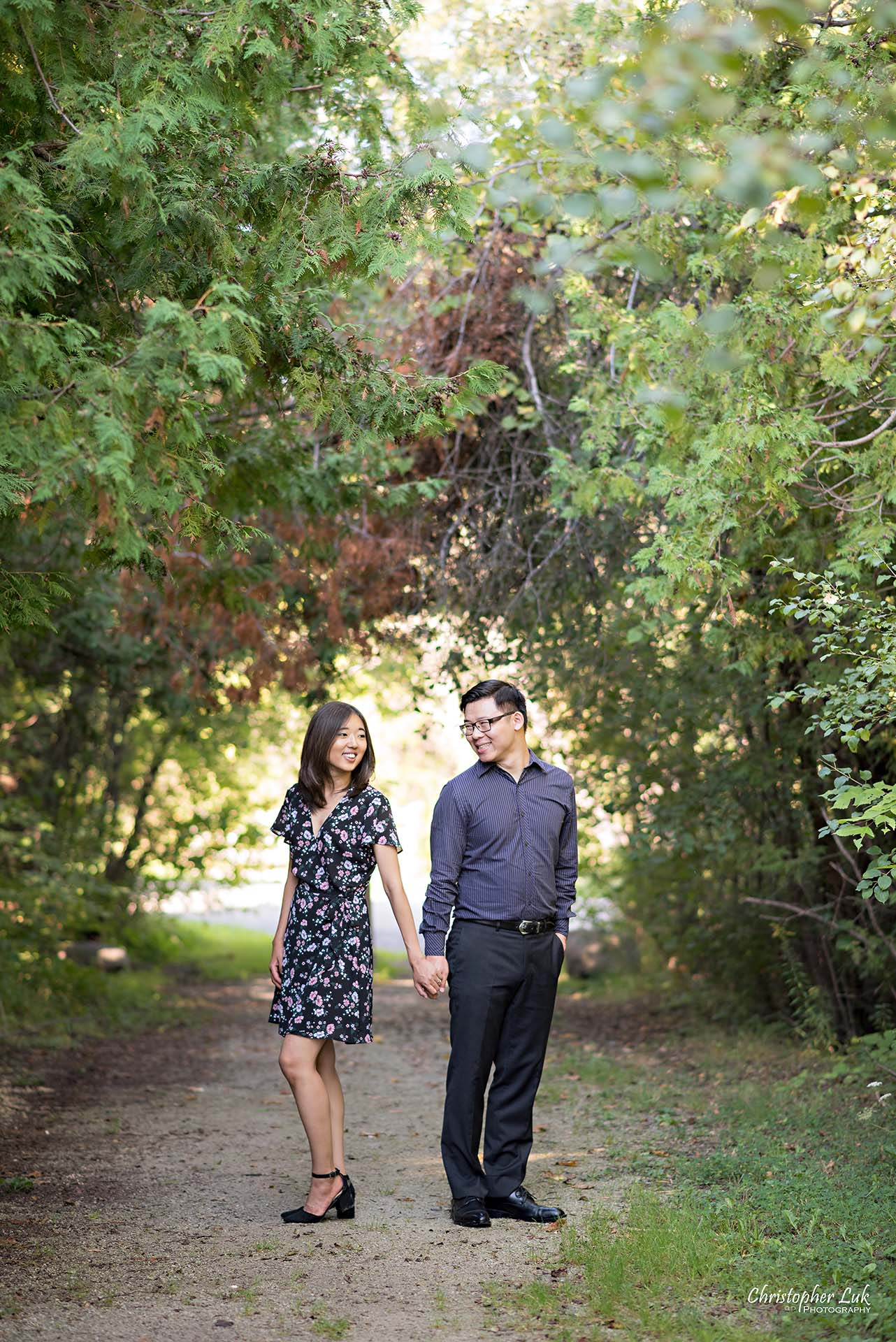 Christopher Luk Toronto Wedding Photographer - Richmond Hill Markham York Region Conservation Area Engagement PreWedding Chinese Korean - Natural Candid Photojournalistic Bride Groom Holding Hands Smile