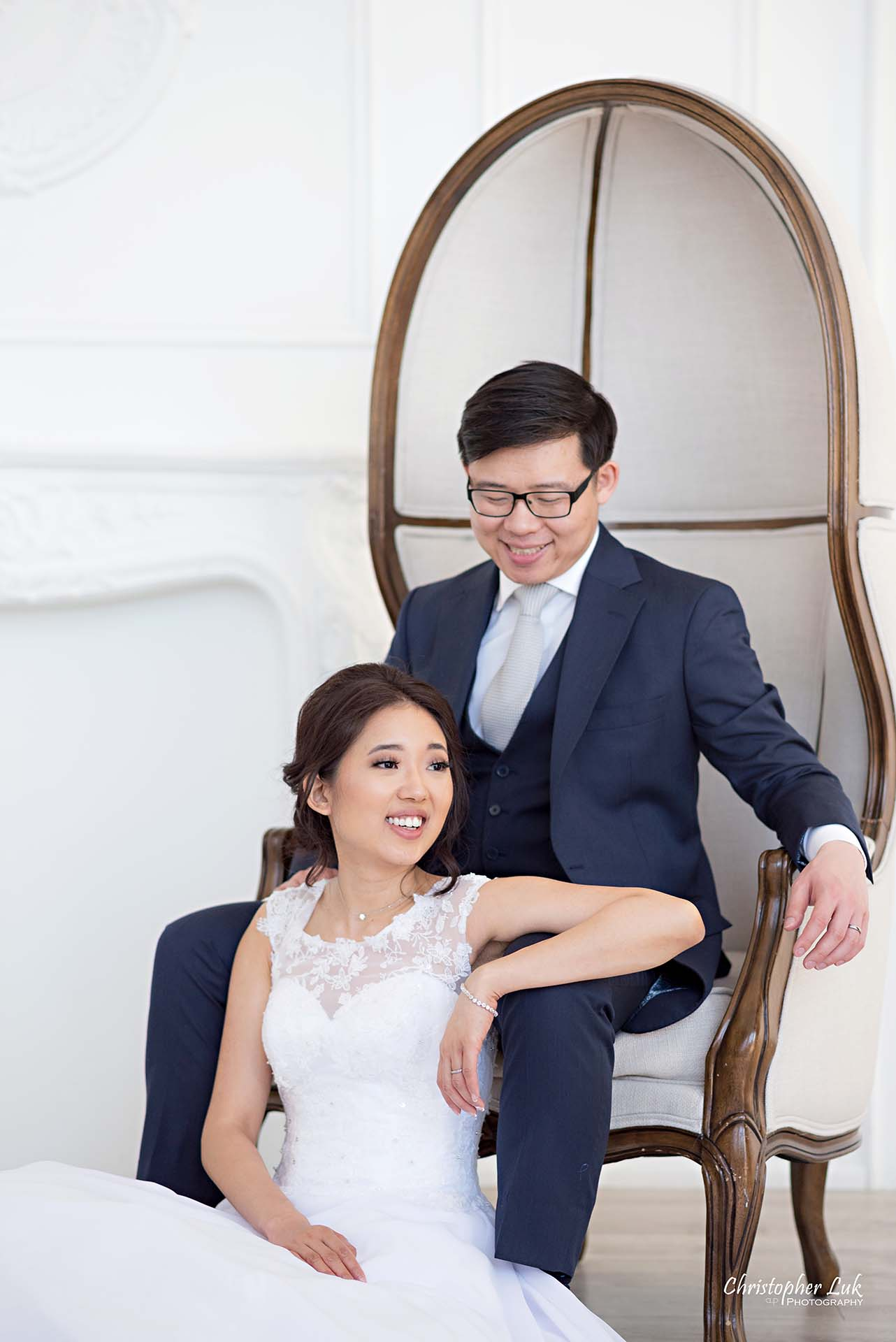 Christopher Luk Toronto Wedding Photographer - Mint Room Studios Bride Groom Natural Candid Photojournalistic Conservatory Ballroom Dome Chair Styled Portrait Close
