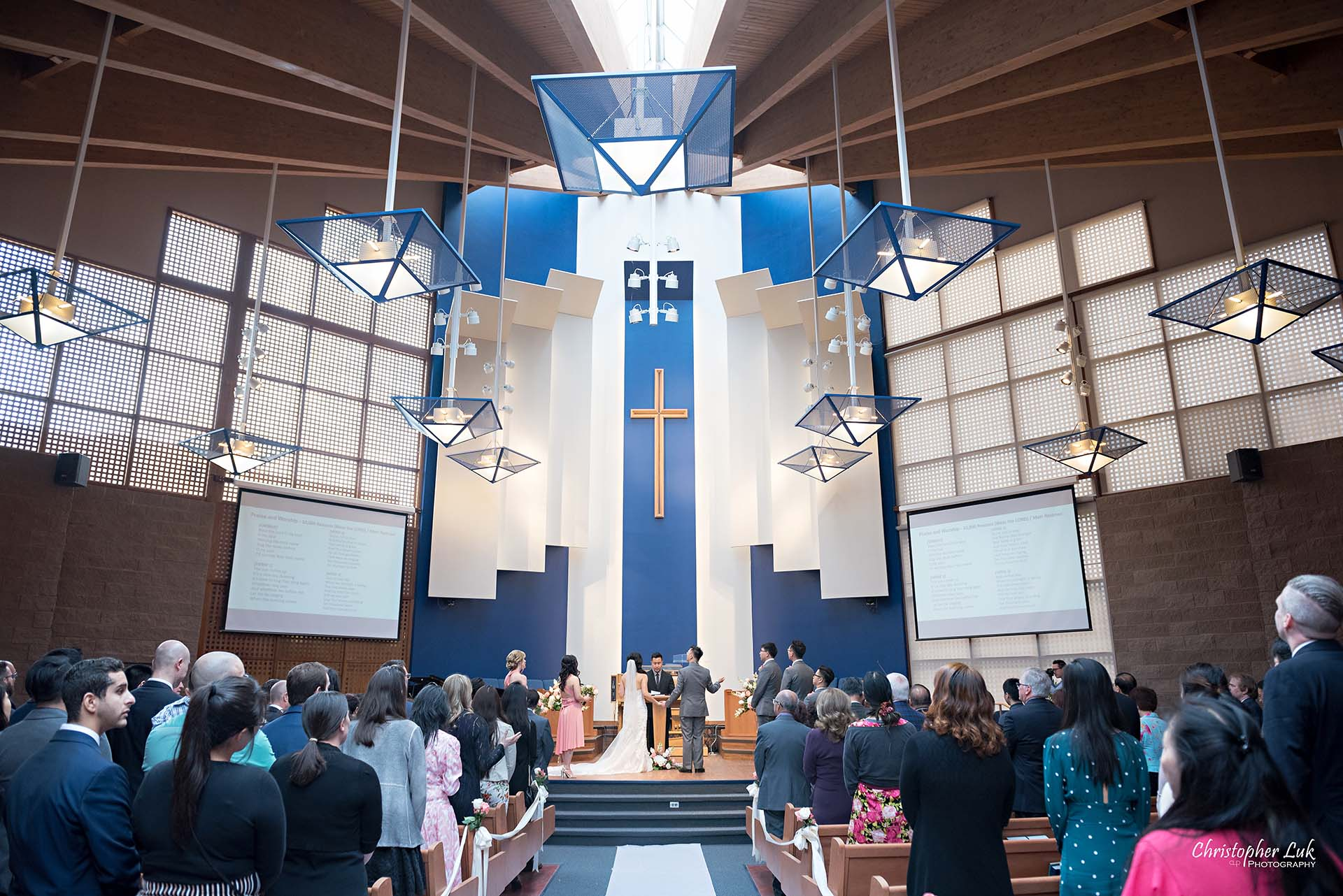 Christopher Luk Toronto Wedding Photographer Trinity York Mills Church Ceremony Sanctuary Candid Natural Photojournalistic Groom Bride Christian Worship Music Songs Landscape Wide