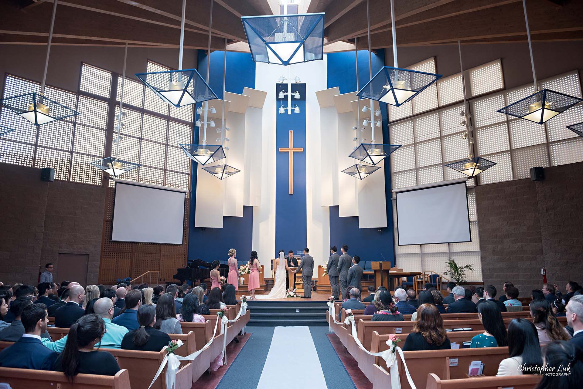 Christopher Luk Toronto Wedding Photographer Trinity York Mills Church Ceremony Sanctuary Candid Natural Photojournalistic Groom Bride Landscape Wide