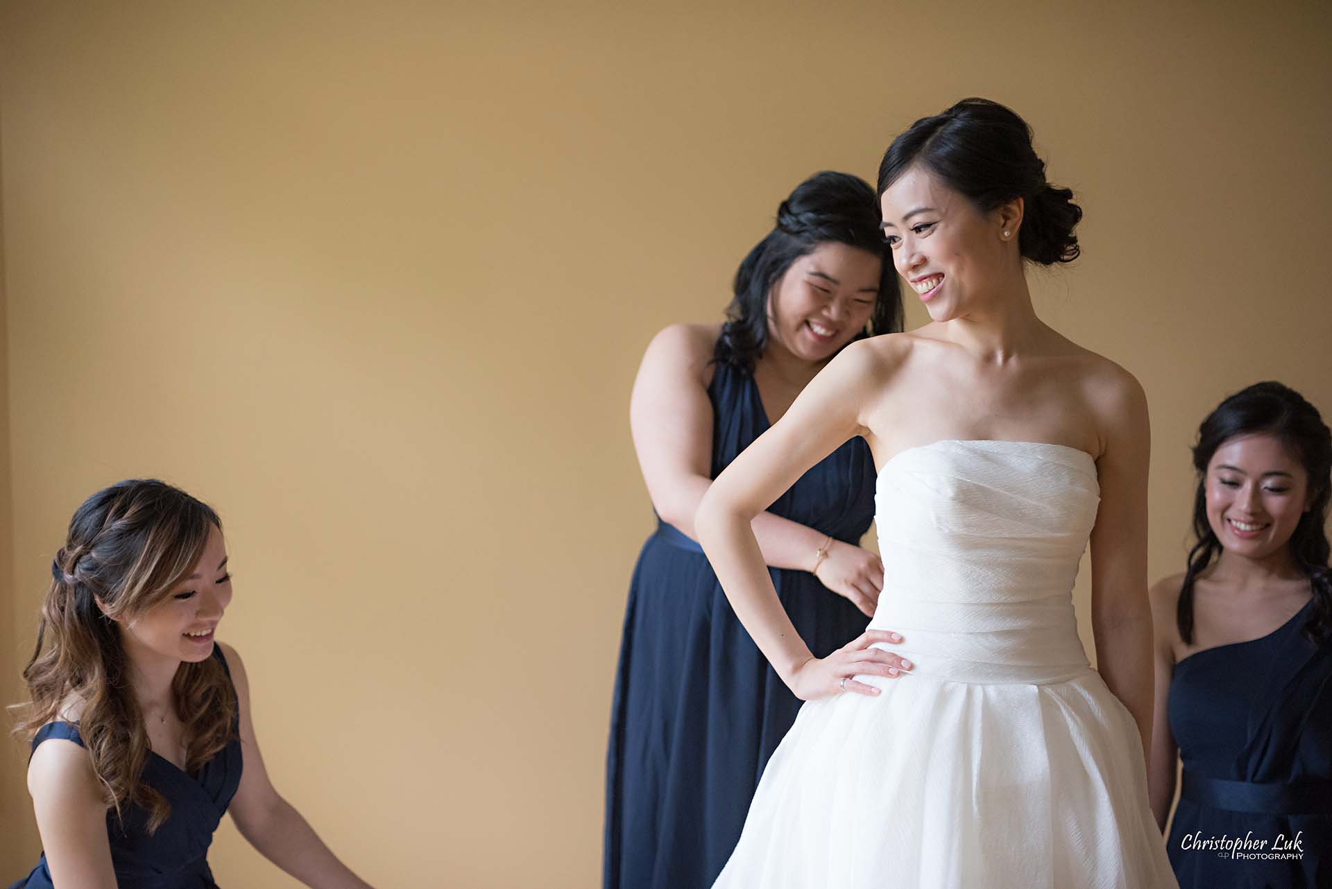 Christopher Luk Toronto Wedding Photographer Bride Getting Ready Preparations Bridal White Gown Dress Maid of Honour Bridesmaids Landscape Detail