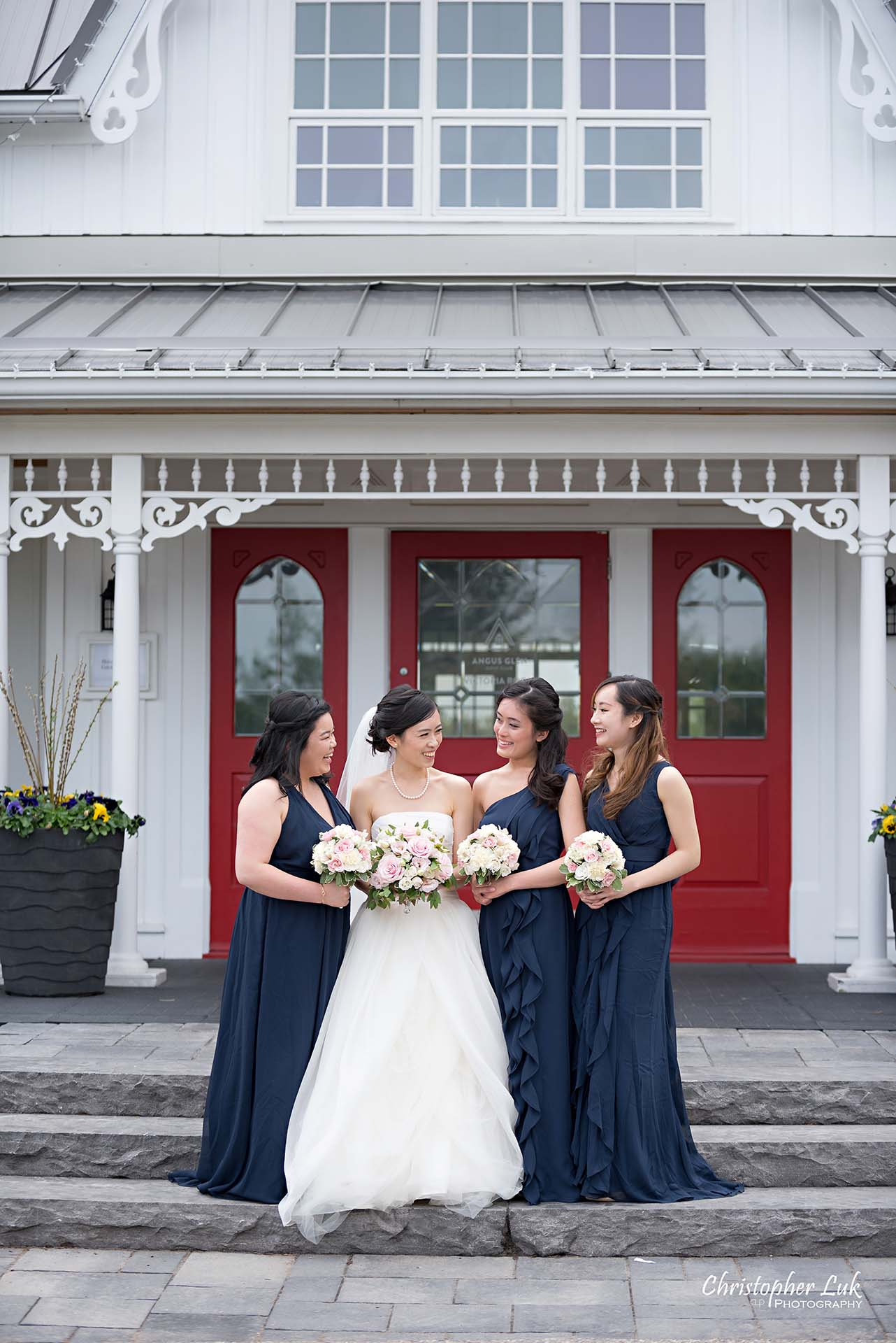 Christopher Luk Toronto Wedding Photographer Angus Glen Golf Club Markham Victoria Room Kennedy Loft Main Historic Estate Building Entrance Bridal Party Maid of Honour Bridesmaids Together Natural Candid Photojournalistic Smile Laugh