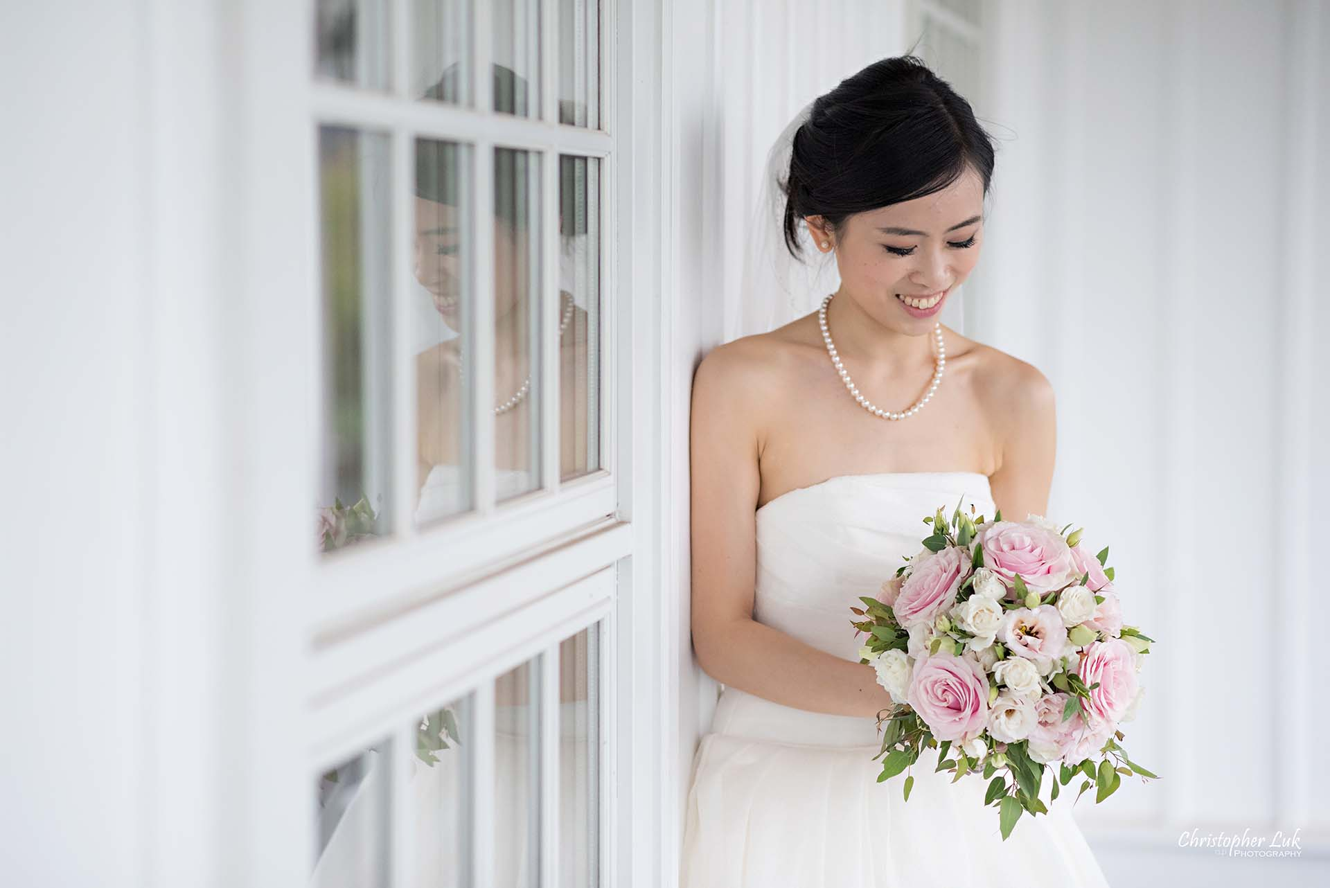 Christopher Luk Toronto Wedding Photographer Angus Glen Golf Club Markham Victoria Room Kennedy Loft Main Historic Estate Building Entrance Together Natural Candid Photojournalistic Bride White Wall Window Reflection Floral Bouquet Flowers