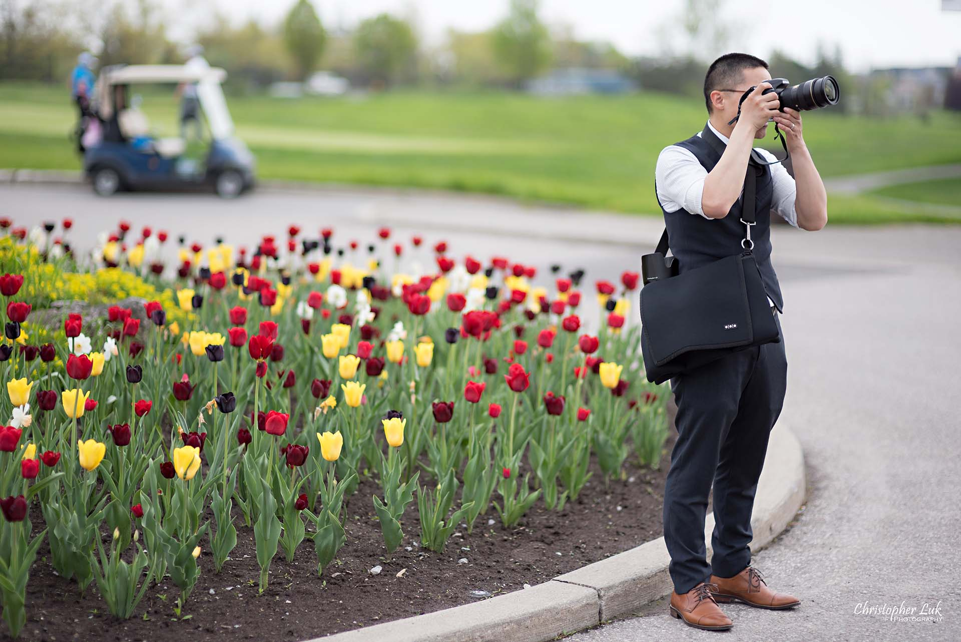 Christopher Luk Toronto Wedding Photographer Behind the Scenes Angus Glen Golf Club Markham Victoria Room Entrance Tulips
