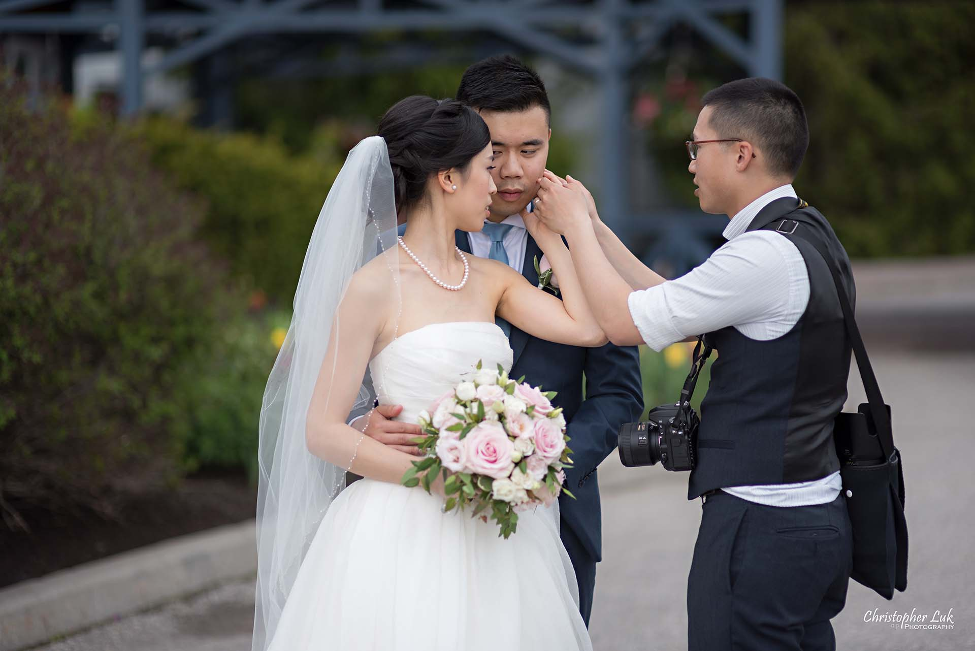 Christopher Luk Toronto Wedding Photographer Behind the Scenes Angus Glen Golf Club Markham Victoria Room Trellis Main Entrance Posing Hands Intimate Bride Groom
