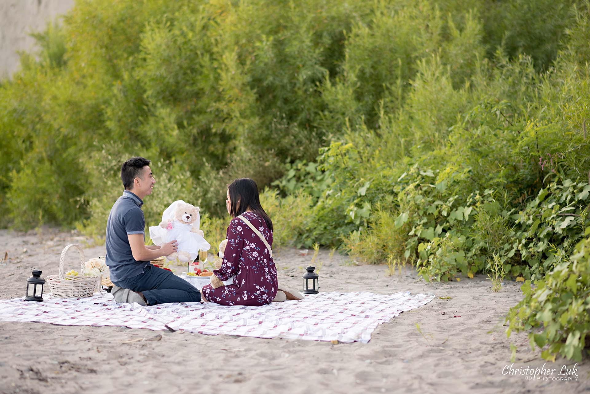 Christopher Luk Toronto Photographer Scarborough Bluffs Beach Park Sunset Surprise Wedding Marriage Engagement Proposal Candid Natural Photojournalistic Bride Groom Picnic Blanket Basket Stuffed Animal Teddy Bear