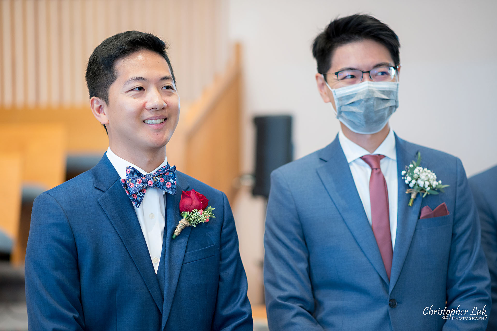 Christopher Luk Toronto Wedding Photographer Bridle Trail Baptist Church Unionville Main Street Crystal Fountain Event Venue Ceremony Location Interior Groom Best Man Bride Walking Down the Aisle Reaction Smile Natural Photojournalistic Candid