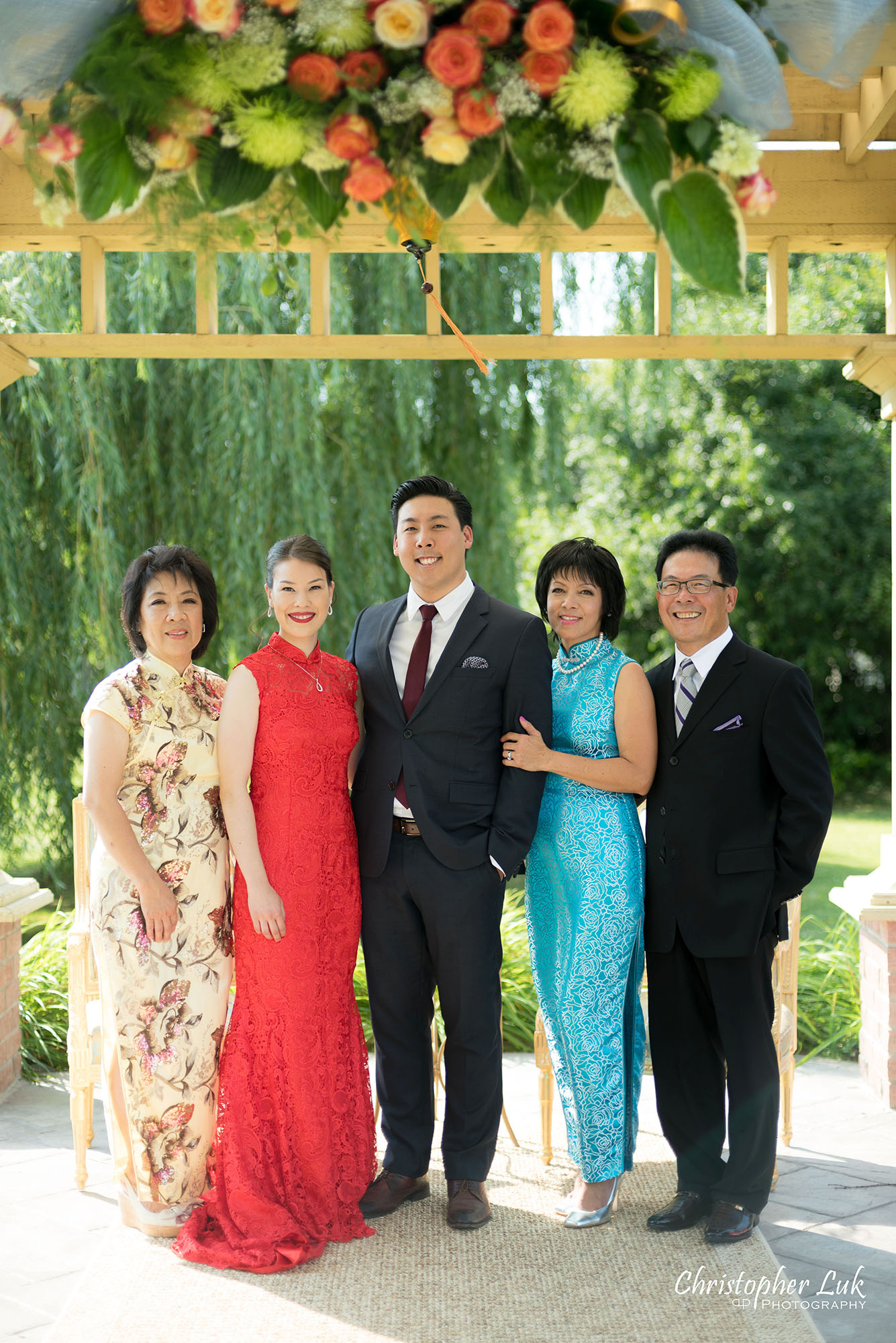 Christopher Luk Photography Toronto Wedding Photographer Chinese Tea Ceremony Bride Groom Mother Father Candid Natural Photojournalistic Happy Smile Family Portrait